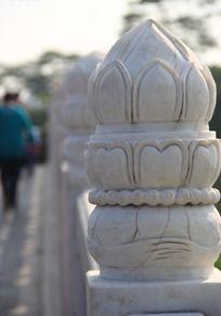 桥墩上面的雕刻