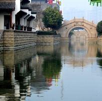 淹城的河面拱桥