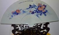 传统青花鸟纹陶瓷折扇