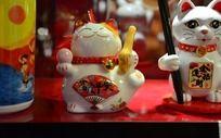 富贵平安陶瓷招财猫