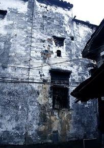 残破的墙壁
