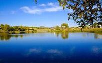 宁静的湖面