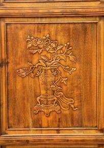 门上的古典木雕图案
