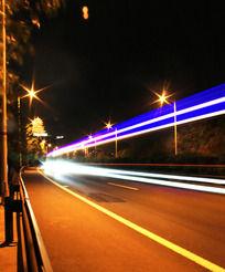 马路夜景图片