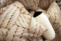 编绳图案抱枕