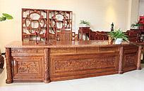 实木雕刻花纹办公桌
