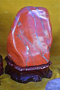 岩浆红玉石近摄