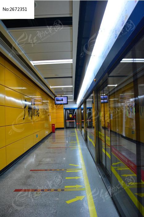 广州南站地铁站站台