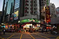 香港旺角街头商铺夜景