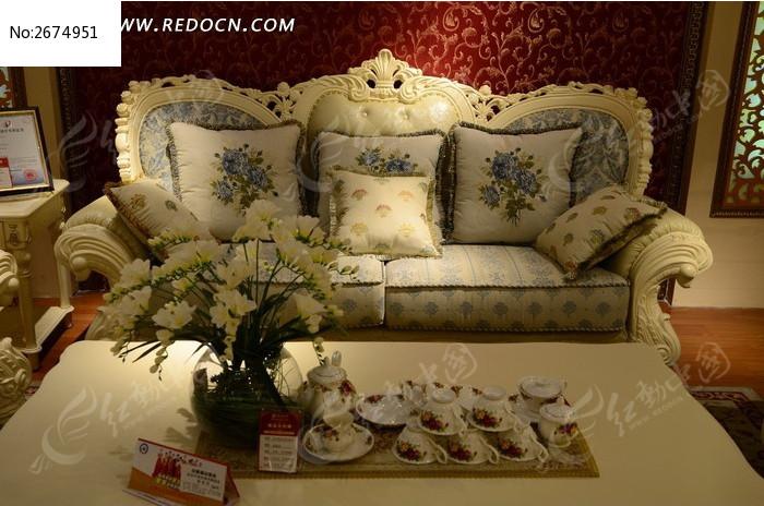 气派的白色欧式沙发