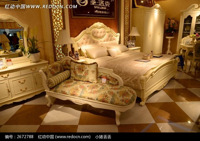 卧室里的欧式家具图片