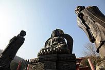 圆融寺的巨大佛像