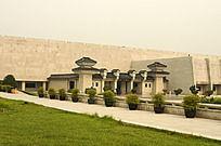 城墙下的兵马俑博物馆