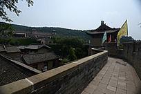皇城相府的蜿蜒城楼