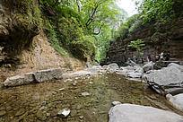 云台山溪流