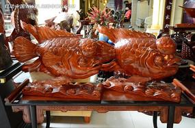 金龙鱼木雕