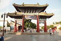 伏羲广场中的仿古牌坊