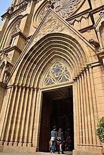 广州石室教堂大门
