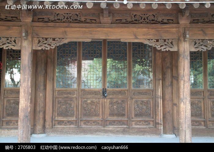 古建筑镂空门窗