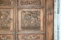 门上的花木雕图案