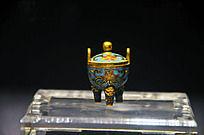 铜胎掐丝珐琅花卉纹三足小炉