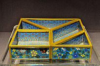 铜胎掐丝珐琅五件套攒盒