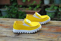 秋款黄色男童单鞋