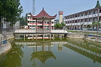 郑州大学景观亭子
