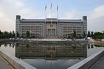 郑州大学图书馆