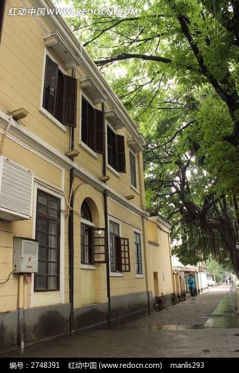 广州沙面黄色外墙欧式建筑图片