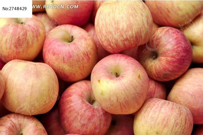 新鲜的红苹果