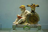 彩绘堆塑天使座钟