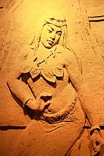 女娲形象沙雕墙面艺术