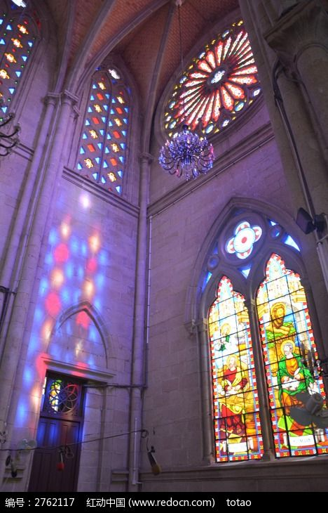 石室圣心大教堂彩色玻璃窗图片