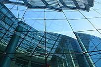 寿光音乐厅蔚蓝的玻璃幕墙