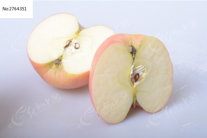一个切开的苹果图片