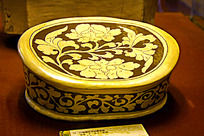圆形花纹陶瓷枕