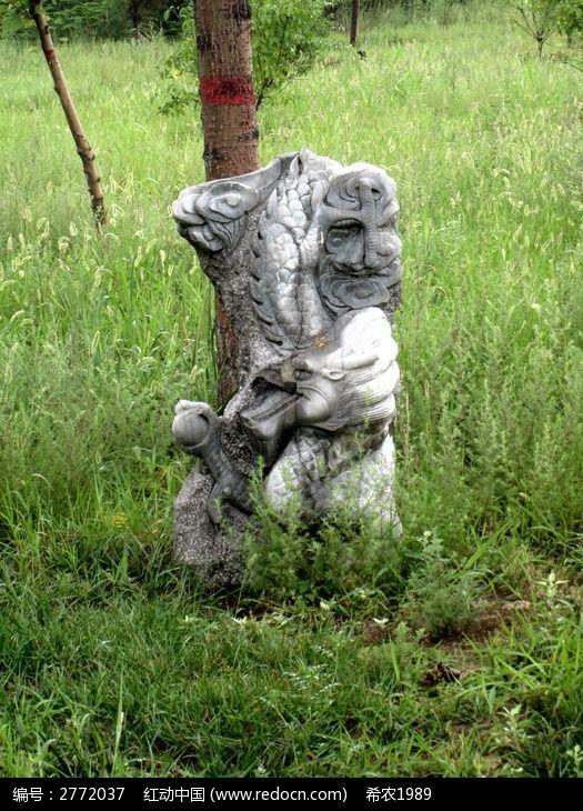 十二生肖雕塑龙