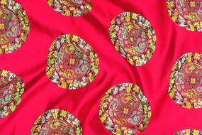 祥云 龙  蝙蝠 传统吉祥动物   绸缎 红色绸布