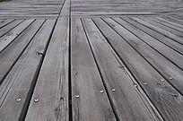寿光公园里的木质道路