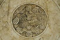圆形龙雕图案