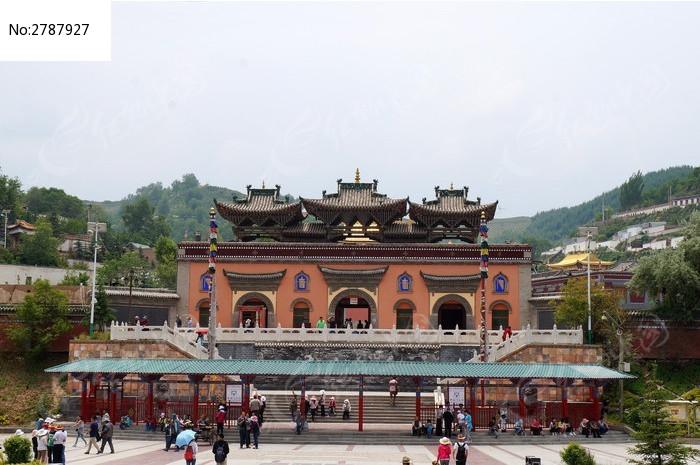 青海塔尔寺建筑群图片