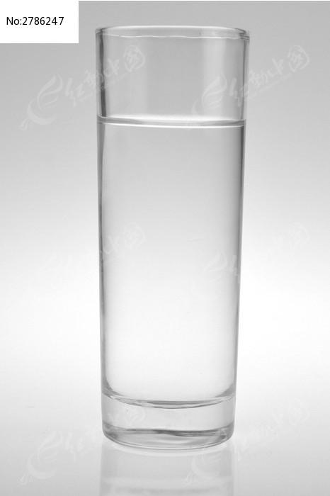 透明玻璃茶杯图片