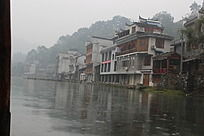 沱江两岸的建筑风光