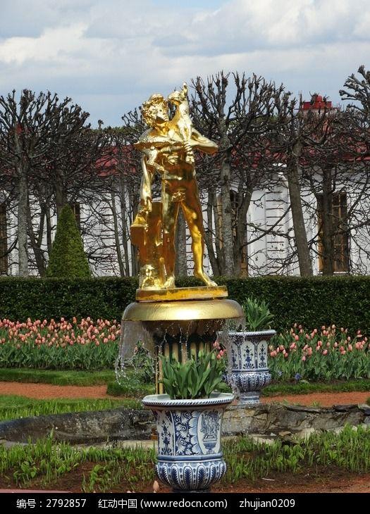 欧式花园广场金色人像雕塑图片