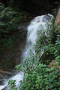 山涧泉水瀑布
