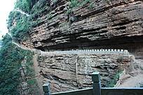 山涧中的栈道