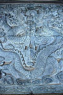 石墙雕刻龙纹图案