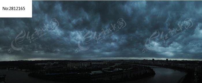 黑云压城图片