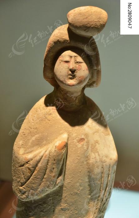 唐代三彩陶俑图片,高清大图